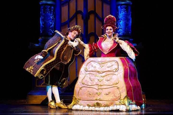 """Una scena del musical """"La bella e la bestia"""""""