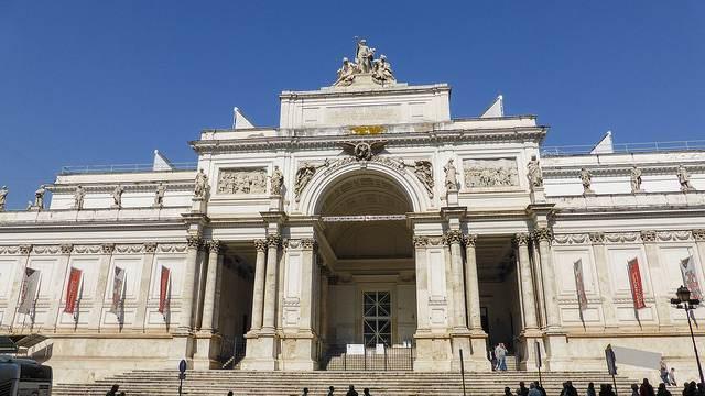 Il Palazzo delle Esposizioni, tra le tappe della passeggiata dedicata a Émile Zola
