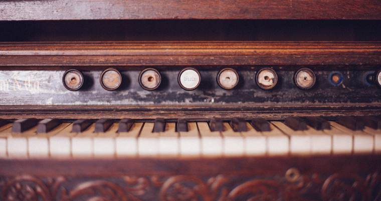 Antico strumento musicale | Martin Jarvis